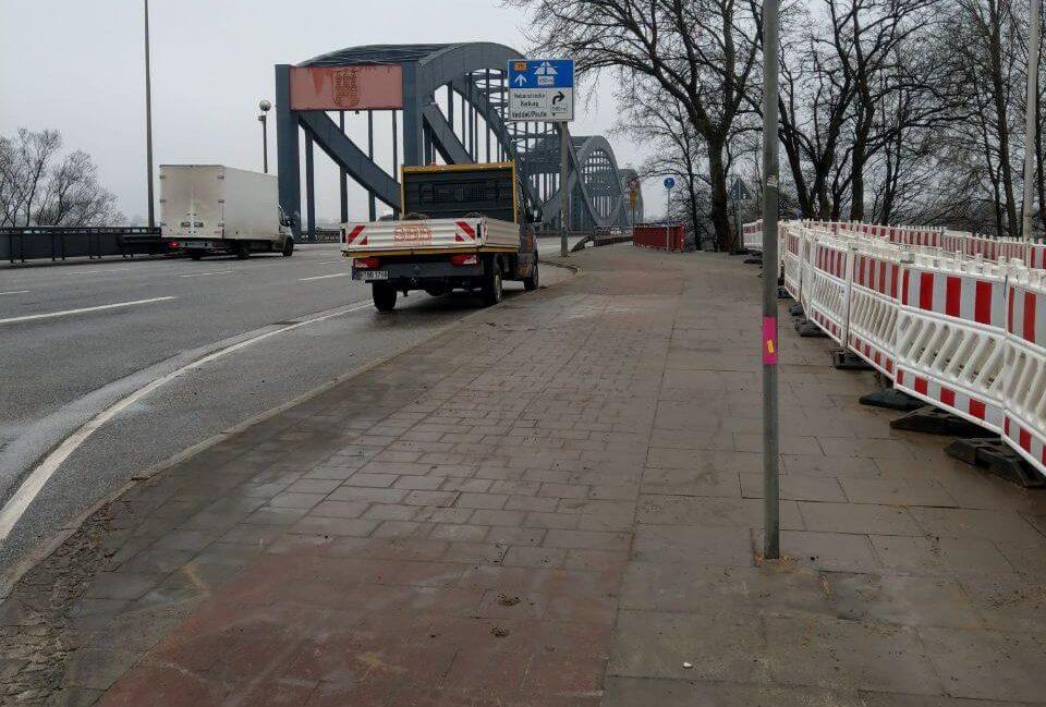 <h3>Straßen- und Wegebau</h3>